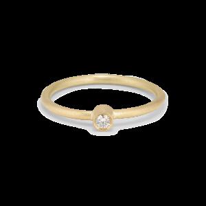 Princess ring, 18 karat guld, 0.05 ct diamant, rörsats